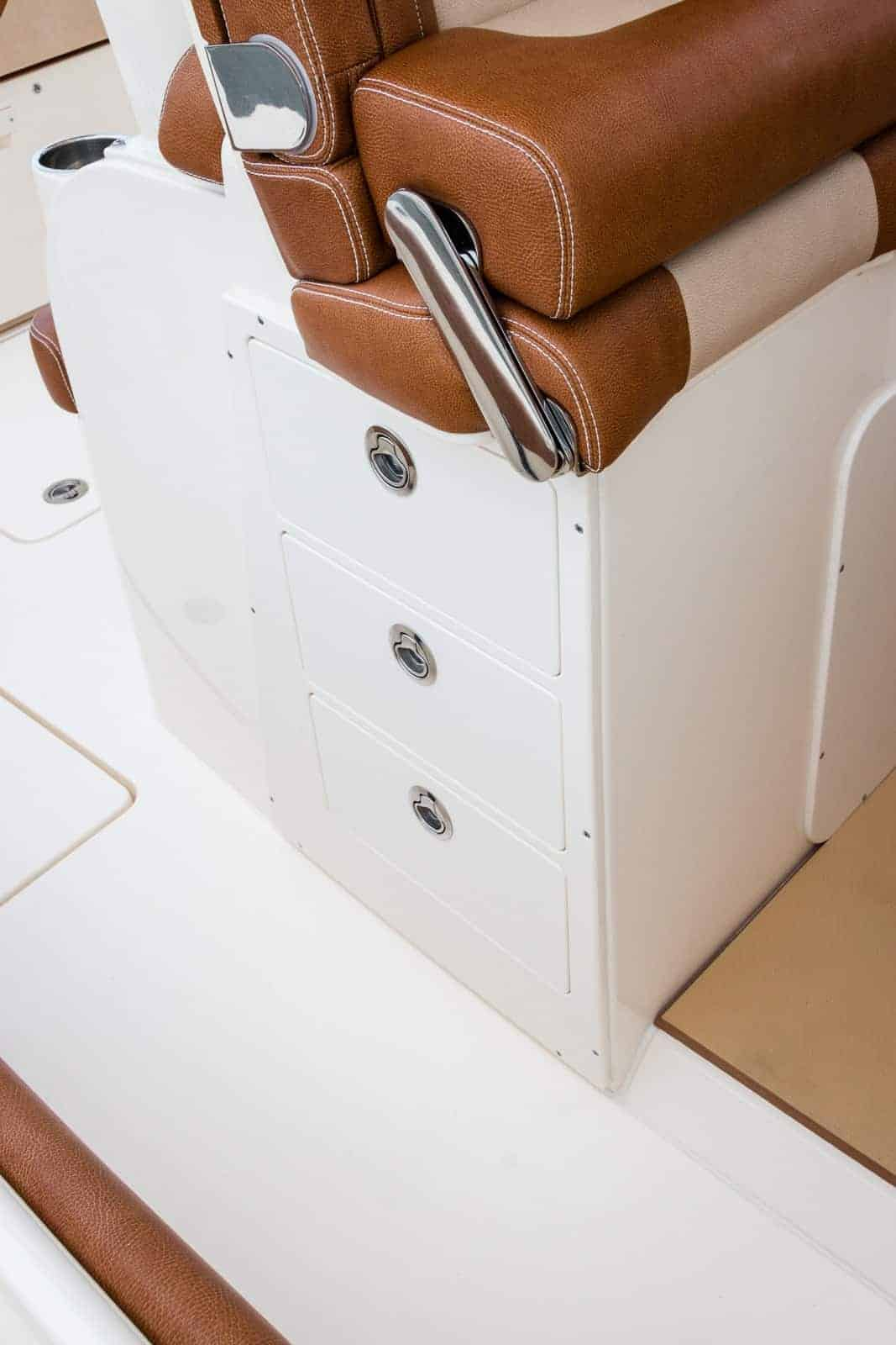 355LXF leaning post side storage drawers