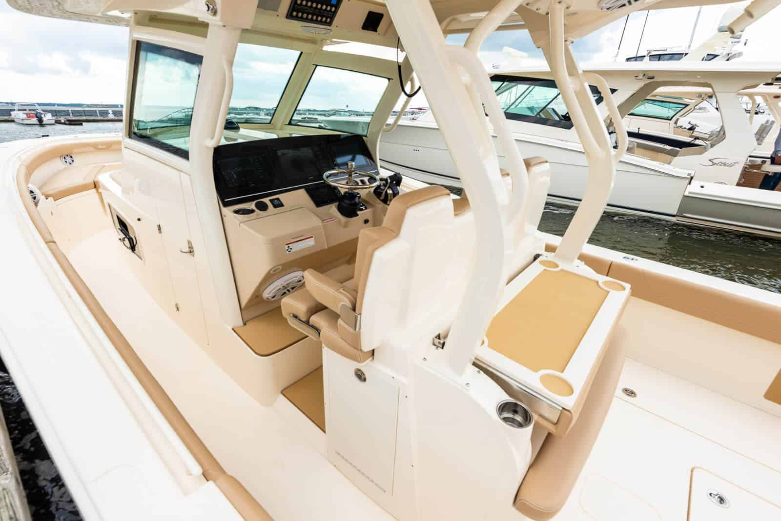 355LXF aft table down