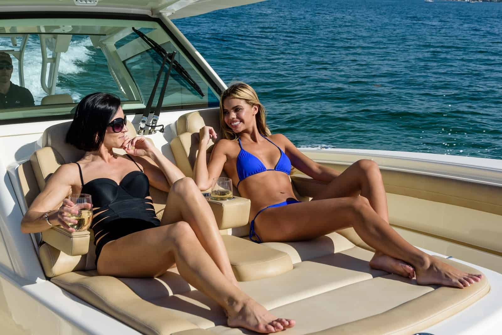 380LXF two girls on lounge