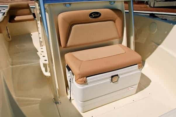 195SF forward console seat with cooler