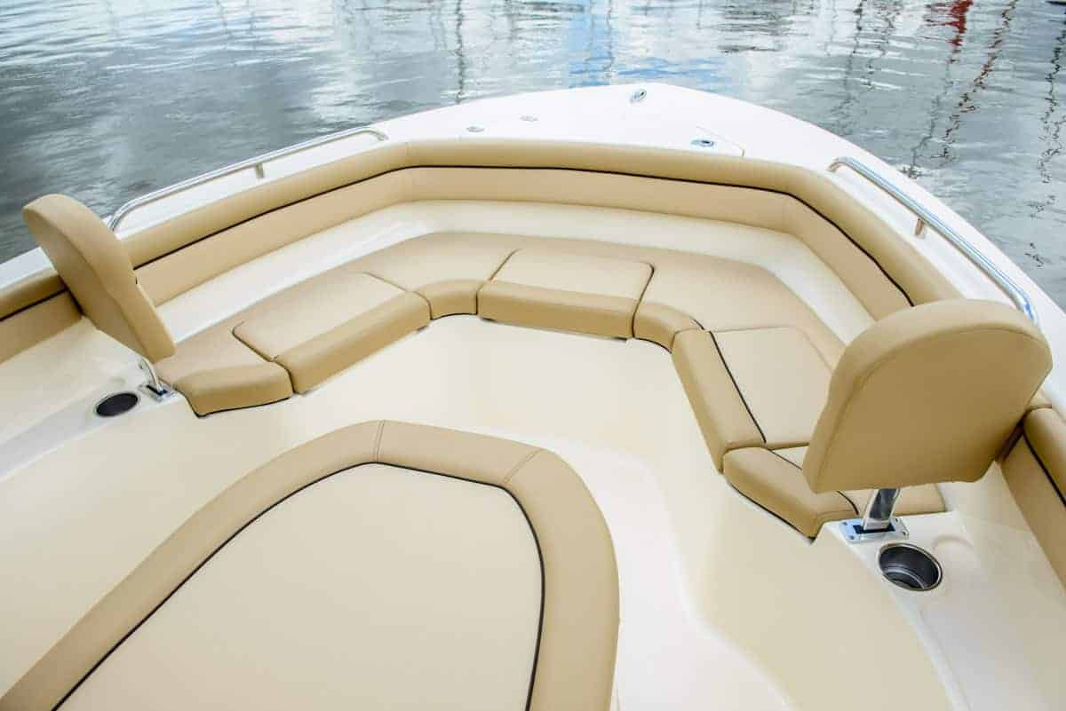 215XSF bow seating