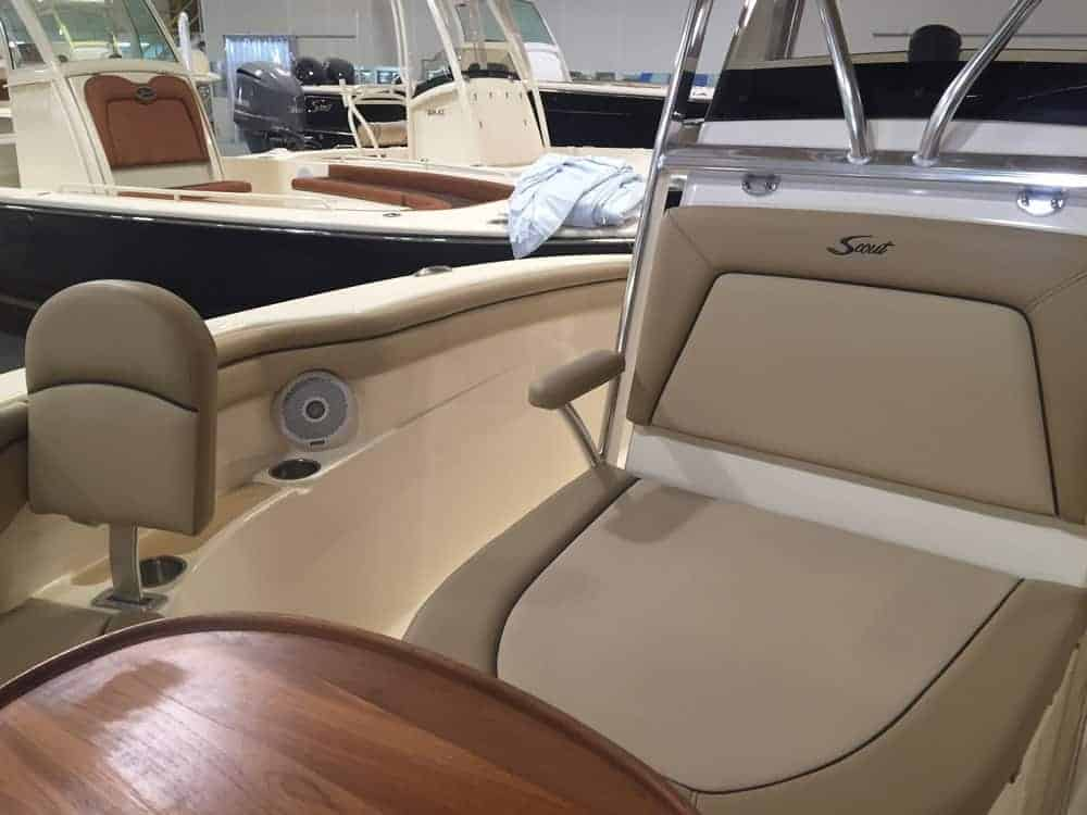 215XSF bow table and forward console seat