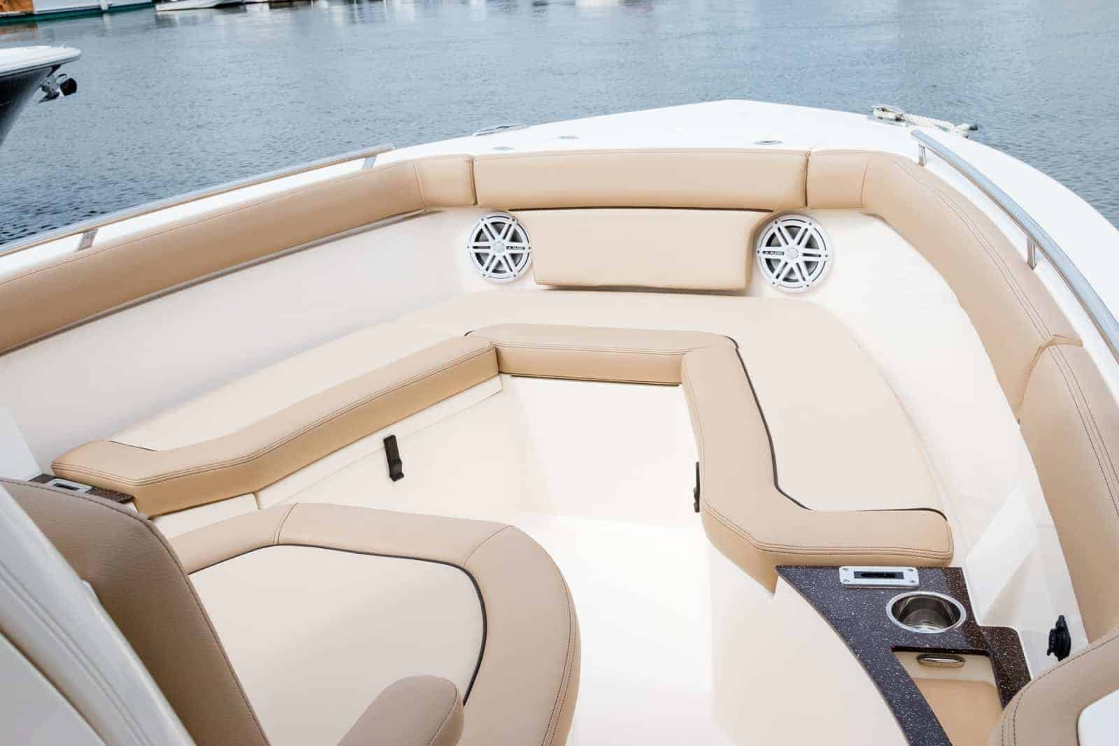 235XSF bow seating without backrest