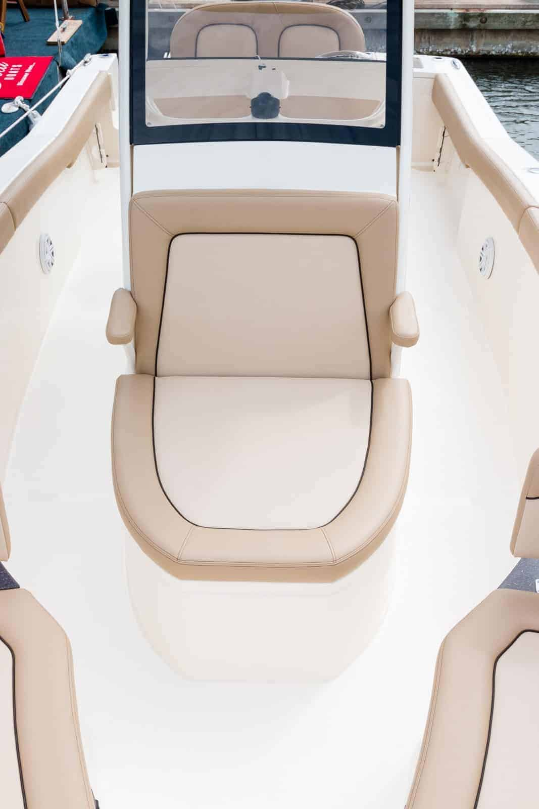 235XSF forward console seat