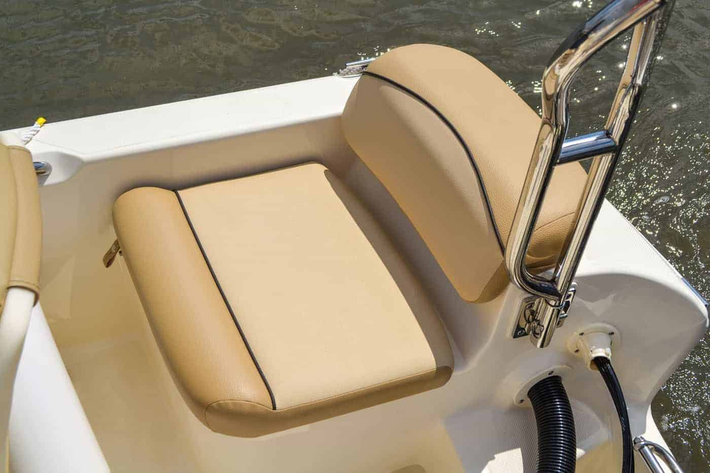 175SD starboard stern seat