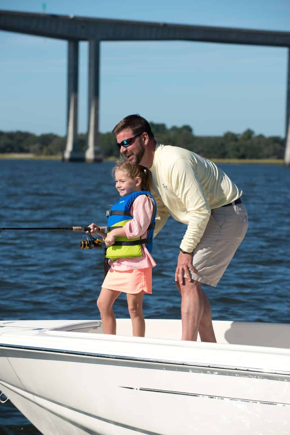 175SF father daughter fishing
