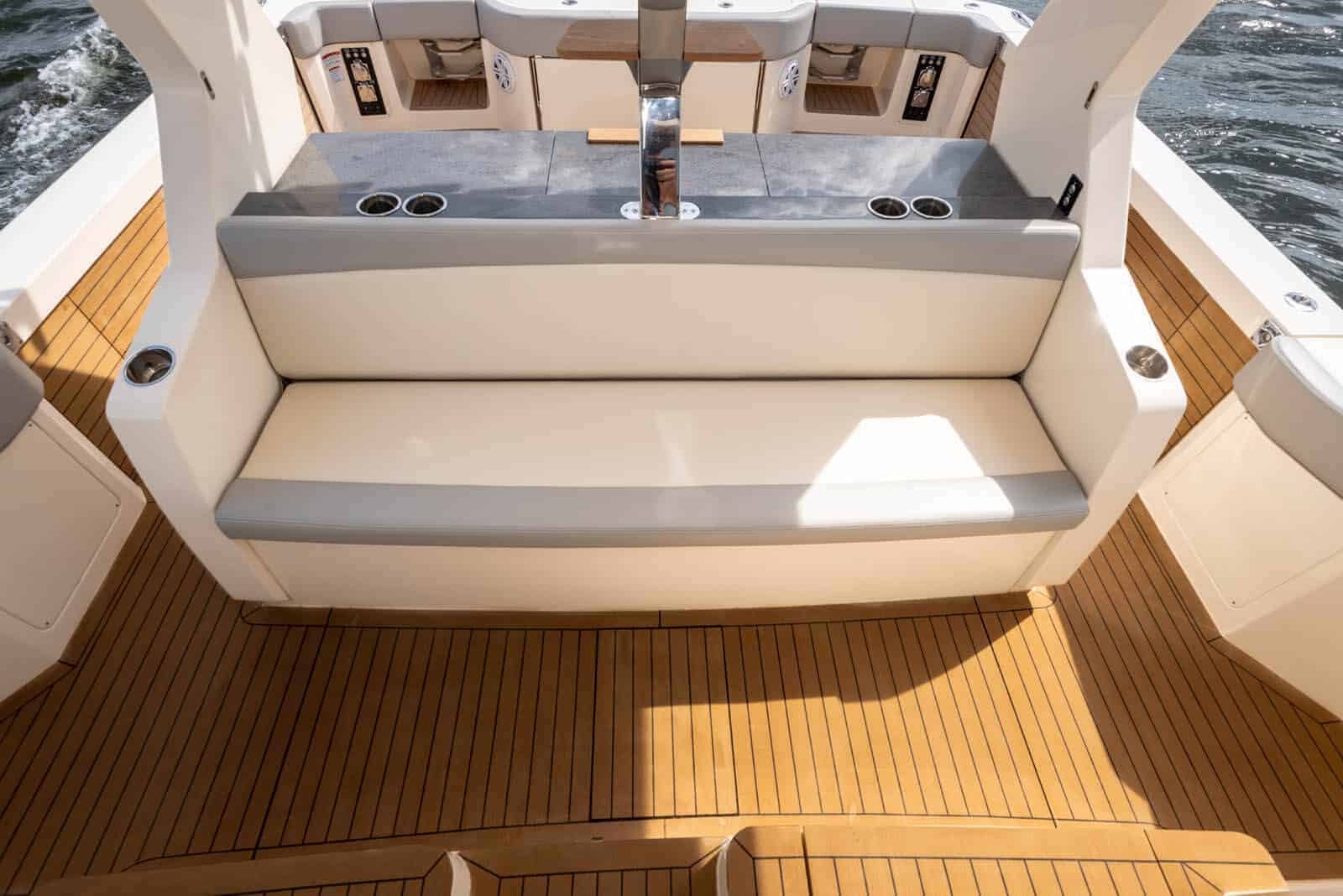 530LXF aft facing seat with rod storage underneath